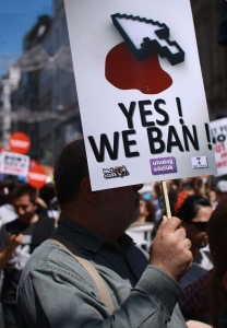 Photo by Erdem Civelek of a 2011 protest for Internet freedom in Turkey. (CC BY 2.0)